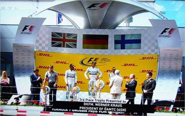 F1-2014-AUTRICHE-Le-podium-avec-ROSBERG-HAMILTON-et-BOTTAS-22-Juin