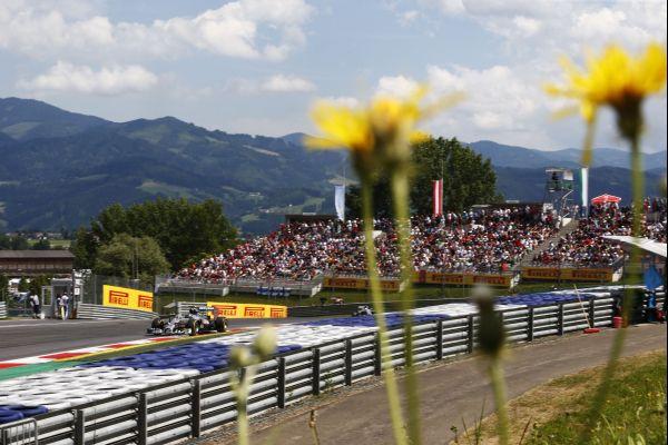 F1-2014-AUTRICHE-MERCEDES-LEWIS-HAMILTON