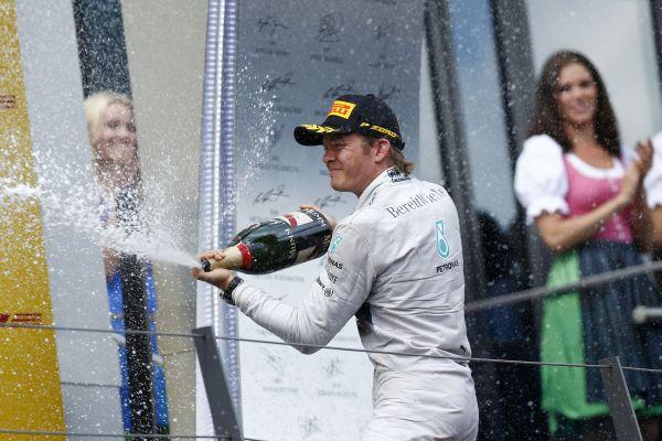 F1-2014-AUTRICHE-Nico-ROSBERG-vainqueur