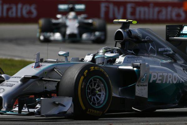 F1-2014-AUTRICHE-ROSBERG-DEVANT-HAMILTON-1ére-seance-libre1.