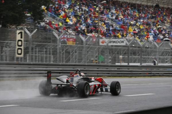 F3-2014-NORISRING-MAX-VERSTAPPEN-FILE-VERS-SA-3éme-victoire-du-week-end-le-29-juin.