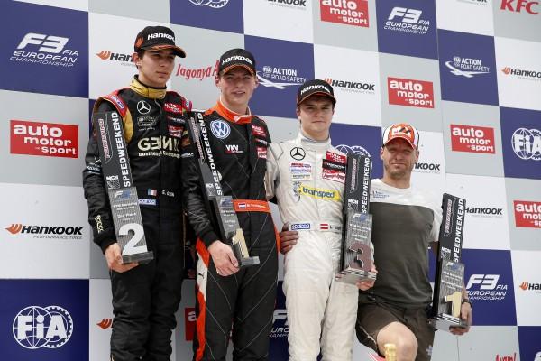 F3 2014 NORISRING le podium de la 1ére course avec VERSTAPPEN 1er devant OCON et AUER.