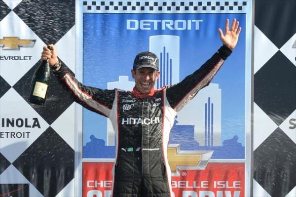 INDYCAR-2014-DETROIT-Le-vainqueur-de-la-seconde-course-le-1er-juin-Helio-Castroneves