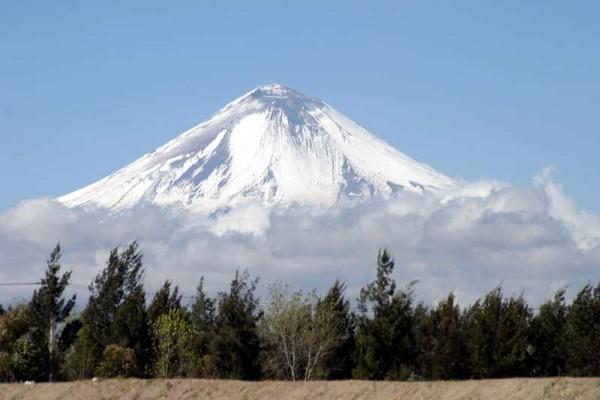 PANAMERICANA- la Carrera passe toujoures non loin du fameux Popocatepetl - photo autonewsinfo