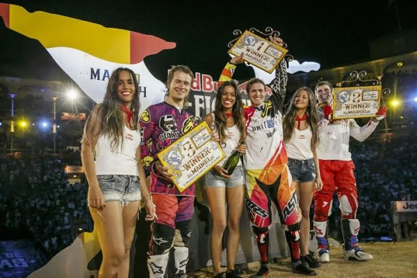 RED-BULL-X-GAMES-2014-MADRID-TOM-PAGES-et-les-GIRLS
