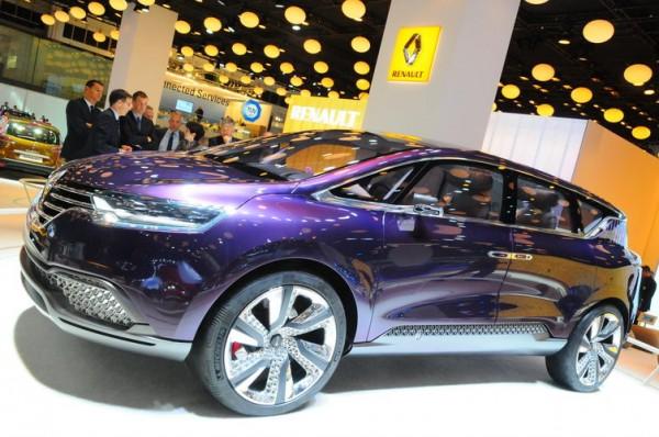 SALON-FRANCFORT-2013-Dernier-concept-car-de-Renault-lInitial-Paris-préfigure-le-remplaçant-de-lEspace.-Se-sera-un-grand-SUV-haut-de-gamme-Photo-Patrick-Martinoli.
