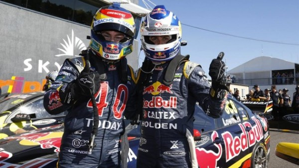 V8-SUPERCAR-2014-DARWIN-DOUBLE-DES-PILOTES-HOLDEN-RED-BULL-TRIPLE-EIGHT-Victoire-de-WHINCUP-devant-LOWNDES