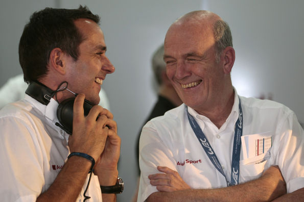 WEC 2013 a BAHREIN  - Benoit Treluyer avec le Docteur Wolfgang ULLRICH