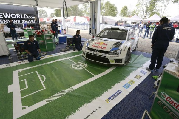 WRC-2014-POLOGNE-ASSISTANCE-Team-VW