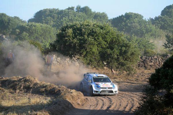WRC-2014-SARDAIGNE-VW-MIKKELSEN.j