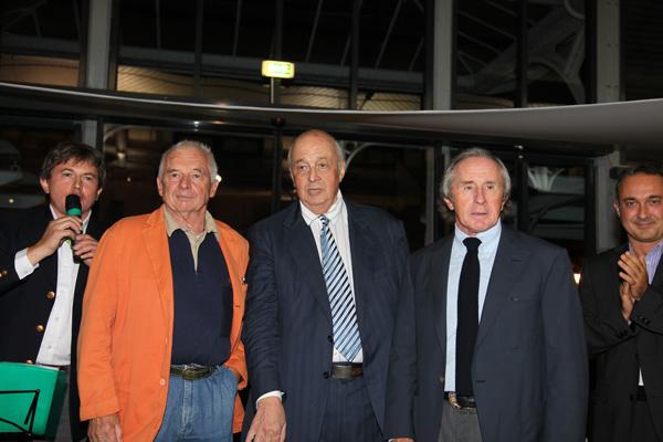 fRANCOIS-GUITER-avec-Jean-Poierre-BELTOISE-et-Jackie-STEWART-au-circuit-des-Remparts-a-ANGOULEME-2010.