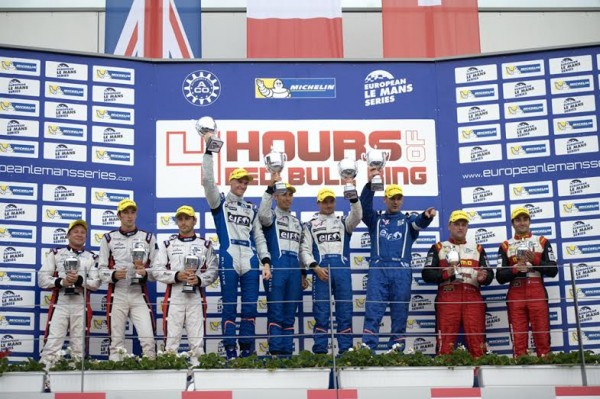 ELMS-2014-RED-BULL-RING-Le-podium-avec-les-pilotes-ALPINE-SIGNATECH-Photo-Eric-REGOUBY
