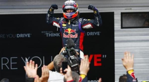 F1 2014 HUNGARORING Victoire de la RED BULL RENAULT de Daniel RICCIARDO le 27 juillet.j