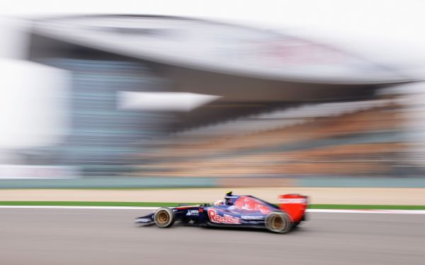 F1-2014-SHANGHAI-TORO-ROSSO-KVYAT