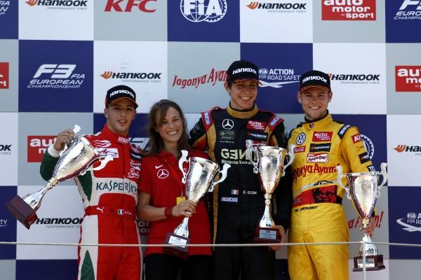 F3 2014 MOSCOU - 2éme course -Le Podium avec OCON victorieux devant FUOCO et Tom BLOMQVIST