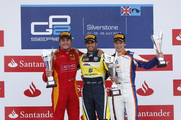 GP2-2014-SILVERSTONE-Podium-course-2-Stefano-Coletti-Felipe-Nasr-1er-et-Johnny-Cecotto