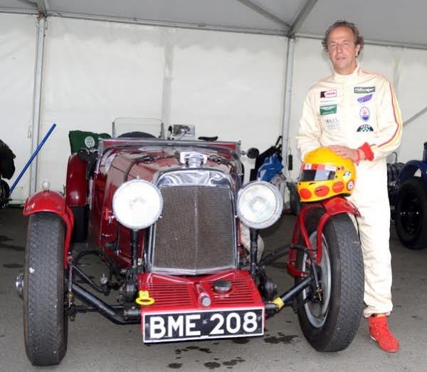 LE MANS CLASSIC 2014 -Antoine SEYLER devant son ASTON MARTIN Le Mans de 1933.