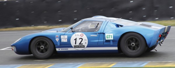 LE-MANS-CLASSIC-2014-FORD-GT-40-de-1965-de-Hans-HUGENHOLTZ-Photo-Thierry-COULIBALY