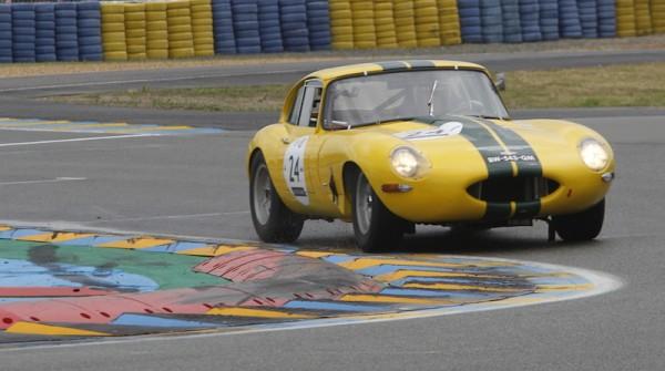 LE-MANS-CLASSIC-2014-JAGUAR-E-Type-3-8l-Coupé-de-1962-Photo-Thierry-COULIBALY