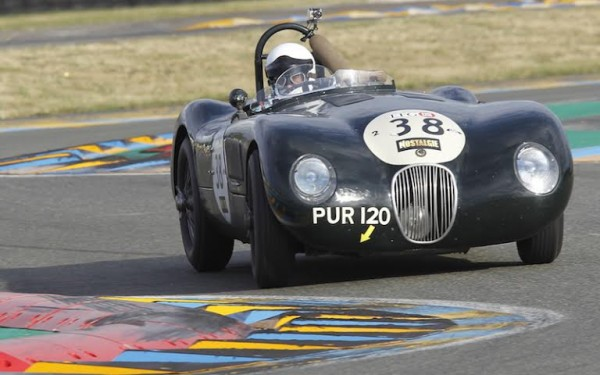 LE MANS CLASSIC 2014 - JAGUAR Type C N°38 de 1953 de Nicholas FINBURGH et Robert NEWALL - Photo Thierry COULIBALY