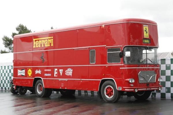 LE-MANS-CLASSIC-2014-Transporteur-Scuderia-FERRARI-de-1963-photo-Thierry-COULIBALY