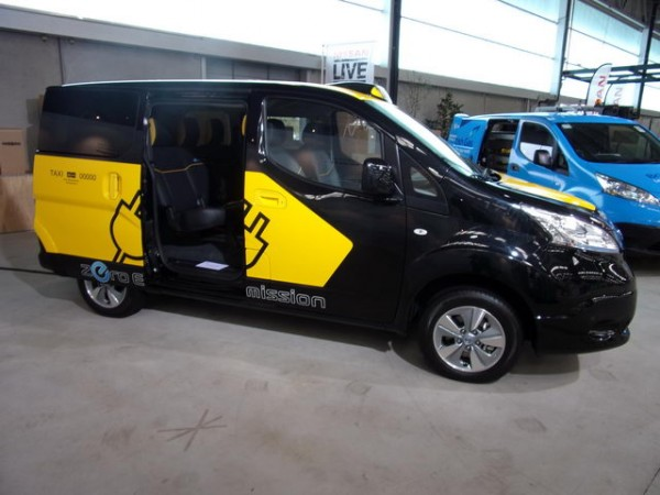 NISSAN-Concept-dune-version-Taxi-pour-Barcelone-Photos-Patrick-Martinoli.