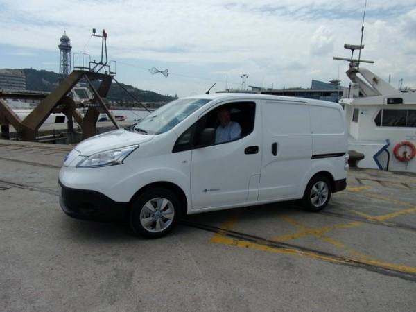 NISSAN-e-NV200-en-version-fourgonnette-sur-le-port-de-Barcelone
