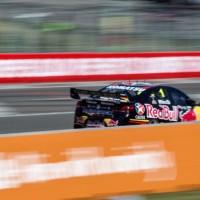 V8-SUPERCAR-2014-TONWSVILLE-Jamie-WHINCUP-1er-course-1