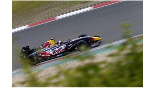 SR-2014-NURBURGRING-Carlos-SAINZ-Junior.