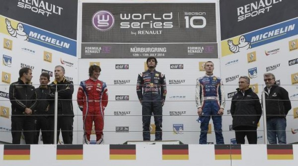 WSR 2014 NURBURGRING- Le podium de la 1ére ciourse avec Carlos SAINZ junior victorieux