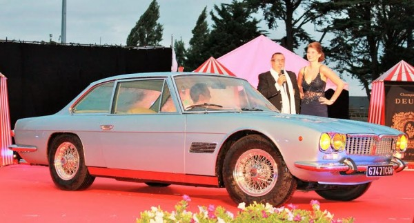 CONCOURS-ELEGANCE-LA-BAULE-14-Août-2014-Maserati-Mexico-avec-ses-jantes-fils-Borrani-a-ecrou-central-Photo-Emmanuel-Leroux