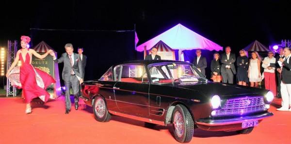CONCOURS ELEGANCE LA BAULE 2014 - Le Trophee des GT revient a la COUPE FIAT GHIA de 1966.