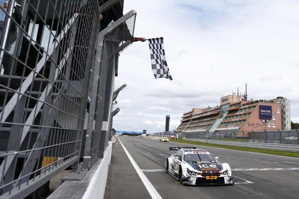 DTM-2014-NURBURGRING-1er-Marco-Wittmann-avec-sa-BMW-M4-du-Team-RMG.