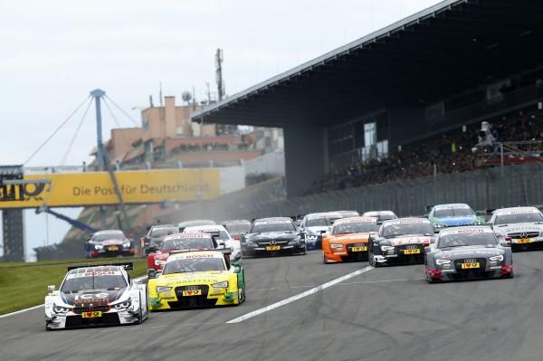 DTM 2014 NURBURGRING le depart avec la BMW de WITTMANN le poleman devant AUDI de ROCKENFELLER.