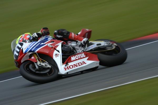 ENDURANCE MOTO 2014- 8 Heures OSCHERSLEBEN- La HONDA Racing - Photo MICHELIN.