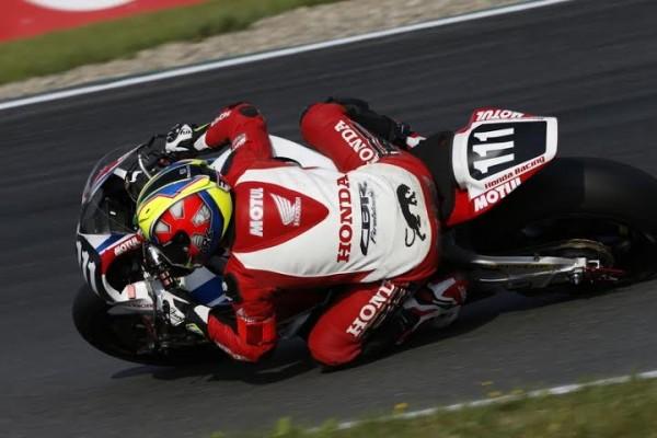 ENDURANCE-MOTO-2014-OSCHERSLEBEN-HONDA-Racing-Photo-FIM.