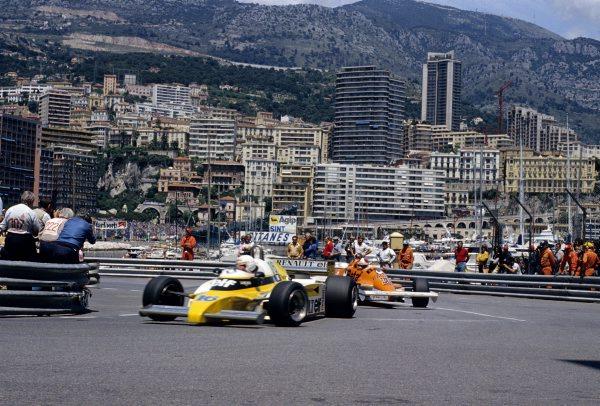 F1-1981-GP-de-MONACO-La-RENAULT-de-Rene-ARNOUX-Photo-Bernard-BAKALIAN