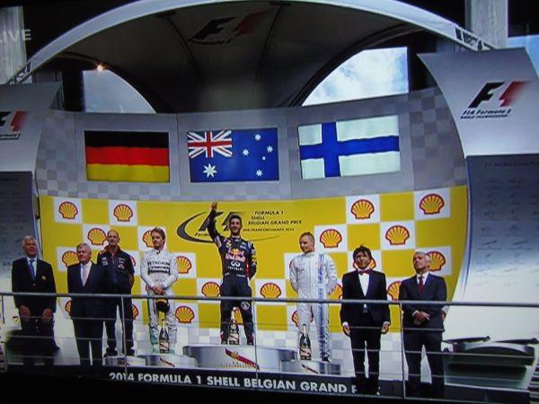 F1-2014-SPA-Le-podium-avec-ROSBERG-2éme-RICCIARDO-1er-et-BOTTAS-3éme-le-Dimanche-24-aout