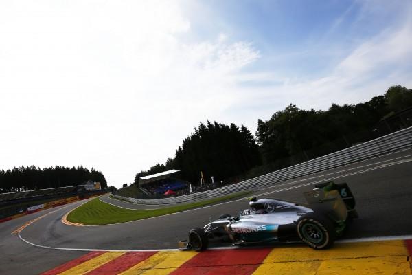 F1 2014 SPA - MERCEDES de Nico ROSBERG dans le raidillon