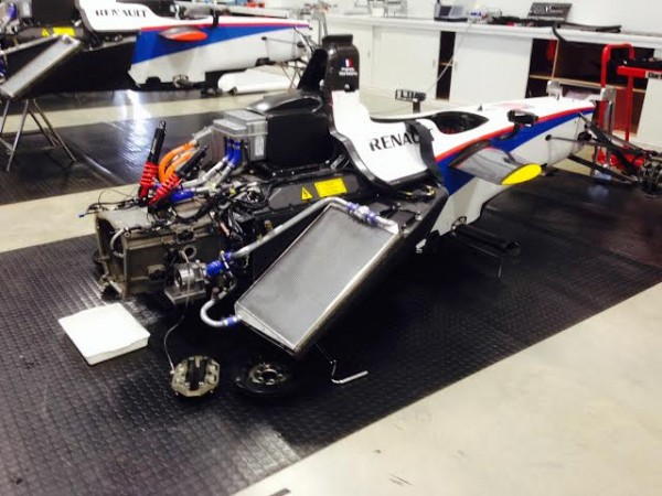 FORMULE-E-2014-DONINGTON-Le-19-aout-ATELIER-ANDRETTI-Les-monoplaces-en-revision-Photo-autonewsinfo