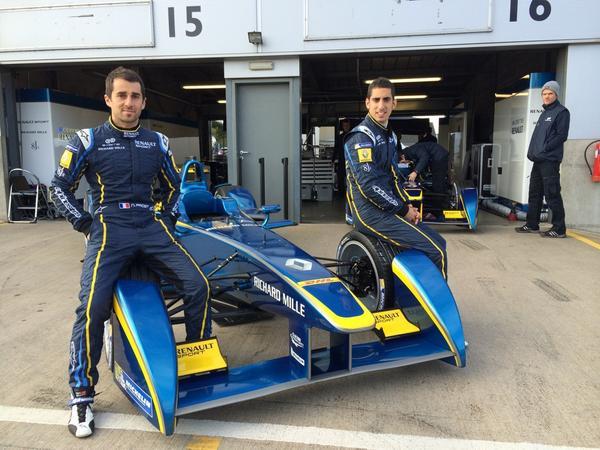 FORMULE-E-2014-Test-DONINGTON-19-aout-les-deux-pilotes-e-Dams-Nicolas-PROST-et-Sébastien-BUEMI.