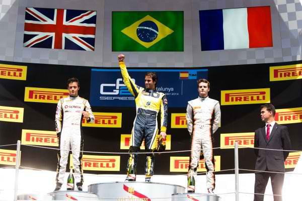 GP2-2014-BARCELONE-Le-podium-de-ma-seconde-course-Jolyon-2éme-Palmer-DAMS-1er-Felipe-Nasr-Carlin-3éme-Tom-Dillmann-Arden-International