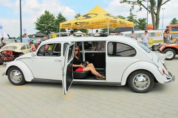 Super-VW-Festival-Juillet-2014-La-Coccinelle-a-bien-grandit.-Photo-Emmanuel-Leroux-