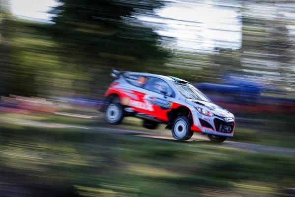 WRC-2014-3-FINLANDE-HAYDEN-PADDON-HYUNDAI