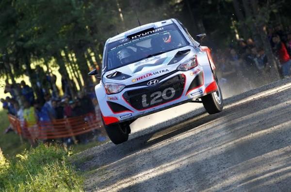 WRC-2014-3-FINLANDE-Juho-HANNINEN-HYUNDAI.