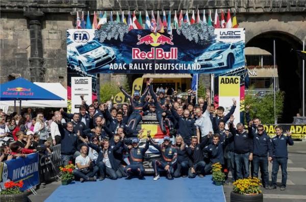 WRC-2014-ALLEMAGNE-1er-TRIOMPHE-pour-Thierry-NEUVILLE-et-le-Team-HYUNDAI-en-WRC