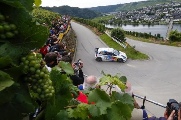 WRC-2014-ALLEMAGNE-La-VW-POLO-de-Seb-OGIER-Julien-INGRASSIA.