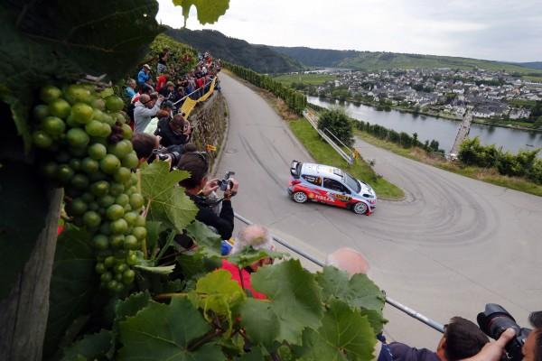 WRC-2014-ALLEMAGNE-Thierry-NEUVILLE-Team-HYUNDAI