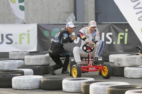 WRC-2014-FINLANDE-HIRVONEN-et-LATVALA-en-kart-epoque.