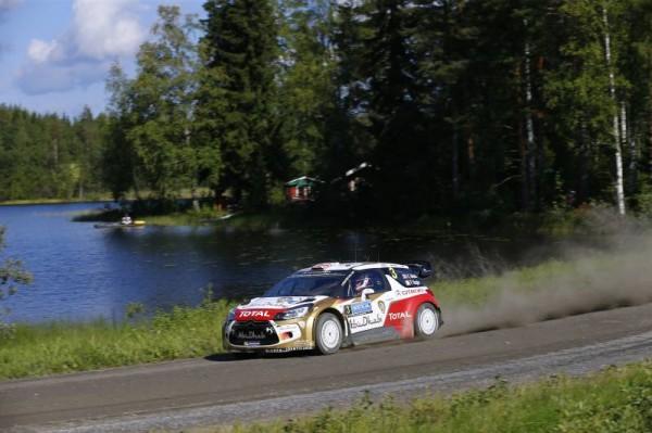 WRC-2014-FINLANDE-Kris-MEEKE-et-sa-DS3.